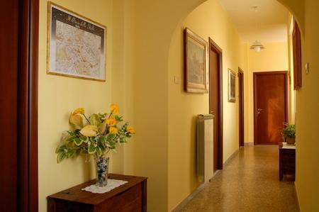 Piccoli mobili usati rinnova la tua casa con mercatopoli lucca - Mobili da corridoio ...